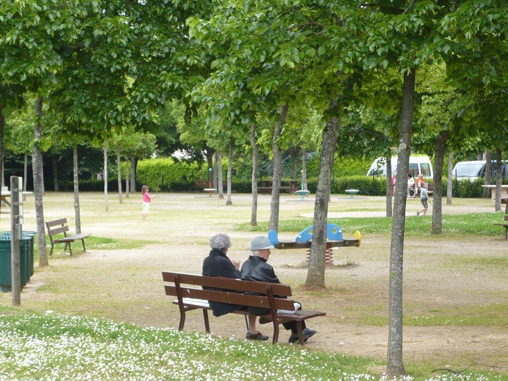 Parc de la cerisaie fresnes 28 images map of vanoise for Espace vert mairie